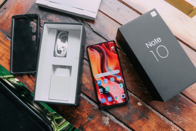 mobil och mobilskal från xiaomi mi note 10